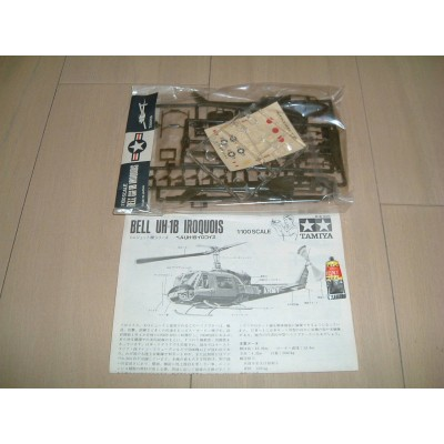 Bell UH-1B Iroquois ( 1/100 code pa1010 )