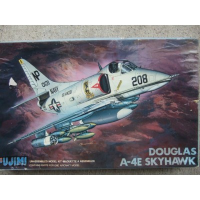Douglas A-4E Skyhawk ( 1/48 code 30012 )